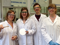 Group picture in lab in Muttenz
